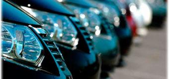 Какие автокомпании получают наибольшую прибыль с каждой  машины?